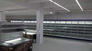 Vertikalna-hladilna-vitrina-Linde-dvoen-staklopaket