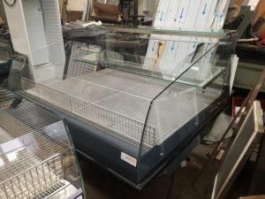 renovirana-upotrebiavana-hladilna-vitrina-ostrov-ot teo-max